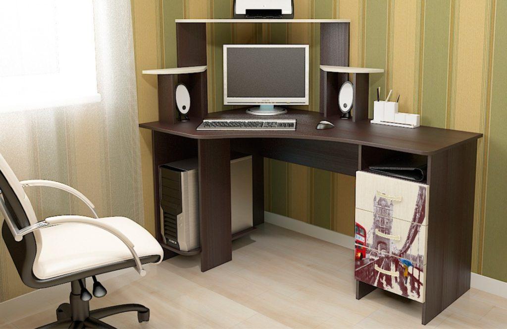 Выбираем компьютерный стол по форме и конструкции